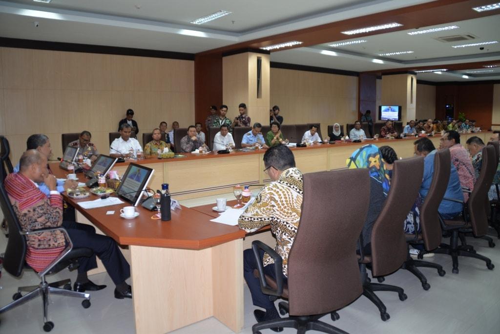 Danlanud El Tari Hadiri Rapat Persiapan Pemerintah Daerah dalam Implementasi Sistem Baru Perlindungan Pekerja Migran di Kantor Gubenur NTT