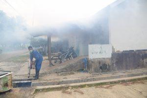 Lanud El Tari Berantas DBD Dengan Melaksanakan Fogging