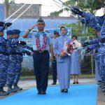 Tradisi Passing In dan Passing Out Komandan Lanud Raja Haji Fisabilillah Tanjungpinang