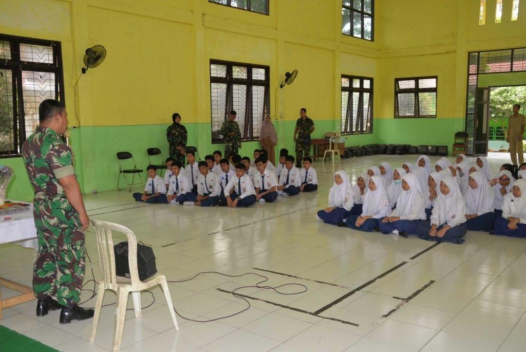 Lanud Sjamsudin Noor Sosialisasikan SMA Pradita Dirgantara
