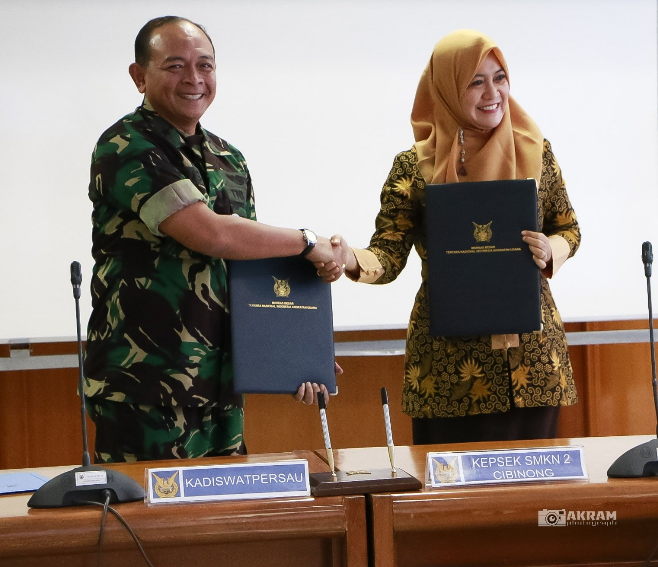 Kerjasama antara TNI Angkatan Udara dengan SMKN 2 Cibinong