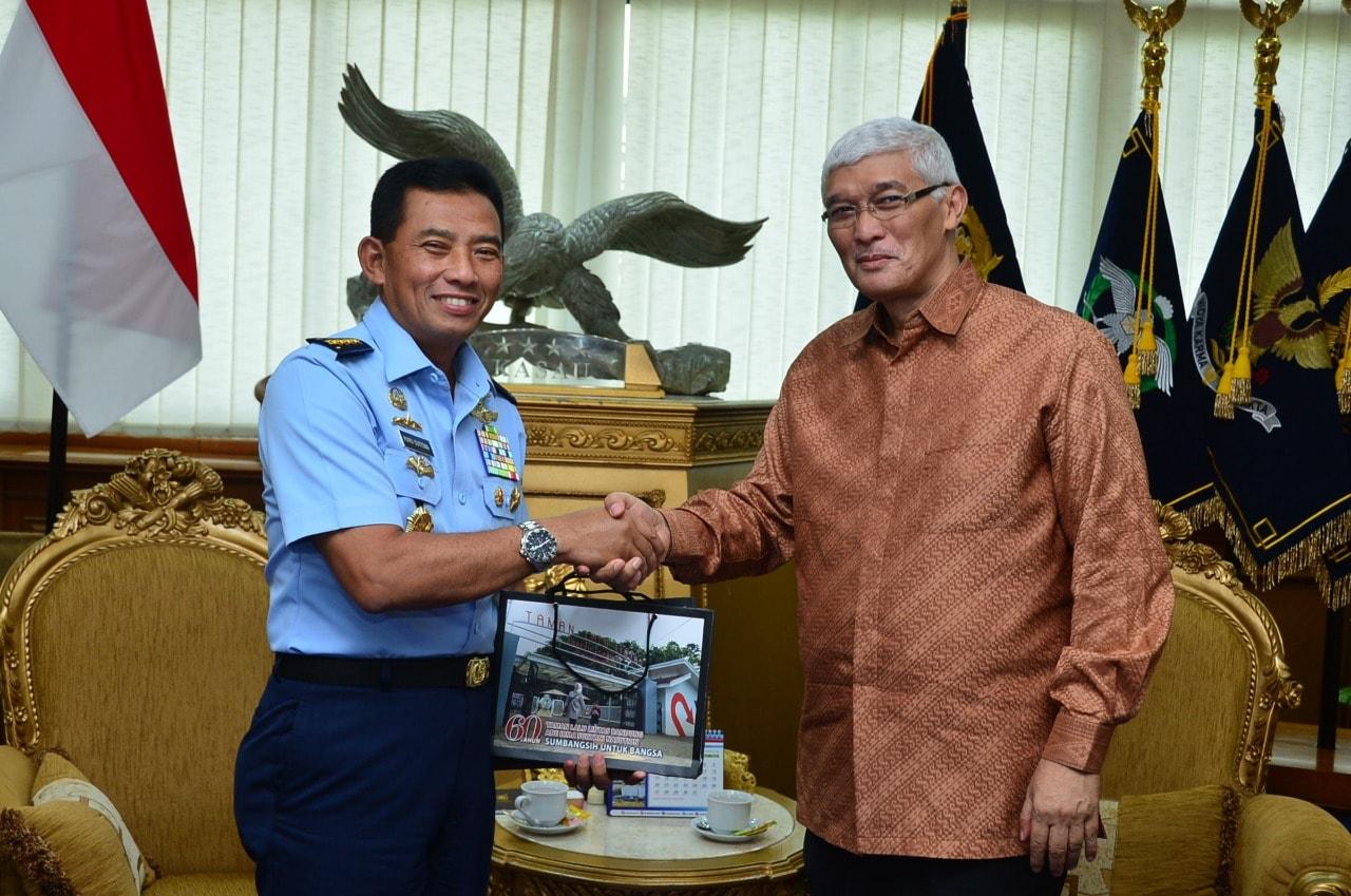 Pererat Silaturahmi dan Tingkatkan Kerja Sama, Ketua Pembina YTLL AISN Temui Kasau