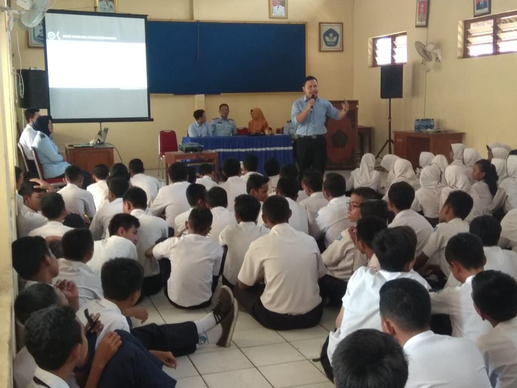 Lanud Adi Soemarmo Berikan Sosialisasi SMA Pradita Dirgantara di SMP Negeri 2 Sukoharjo