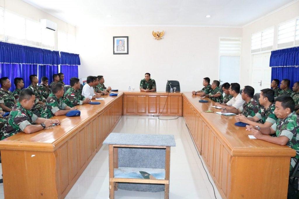 Entri Briefing Komandan Lanud Yohanis Kapiyau