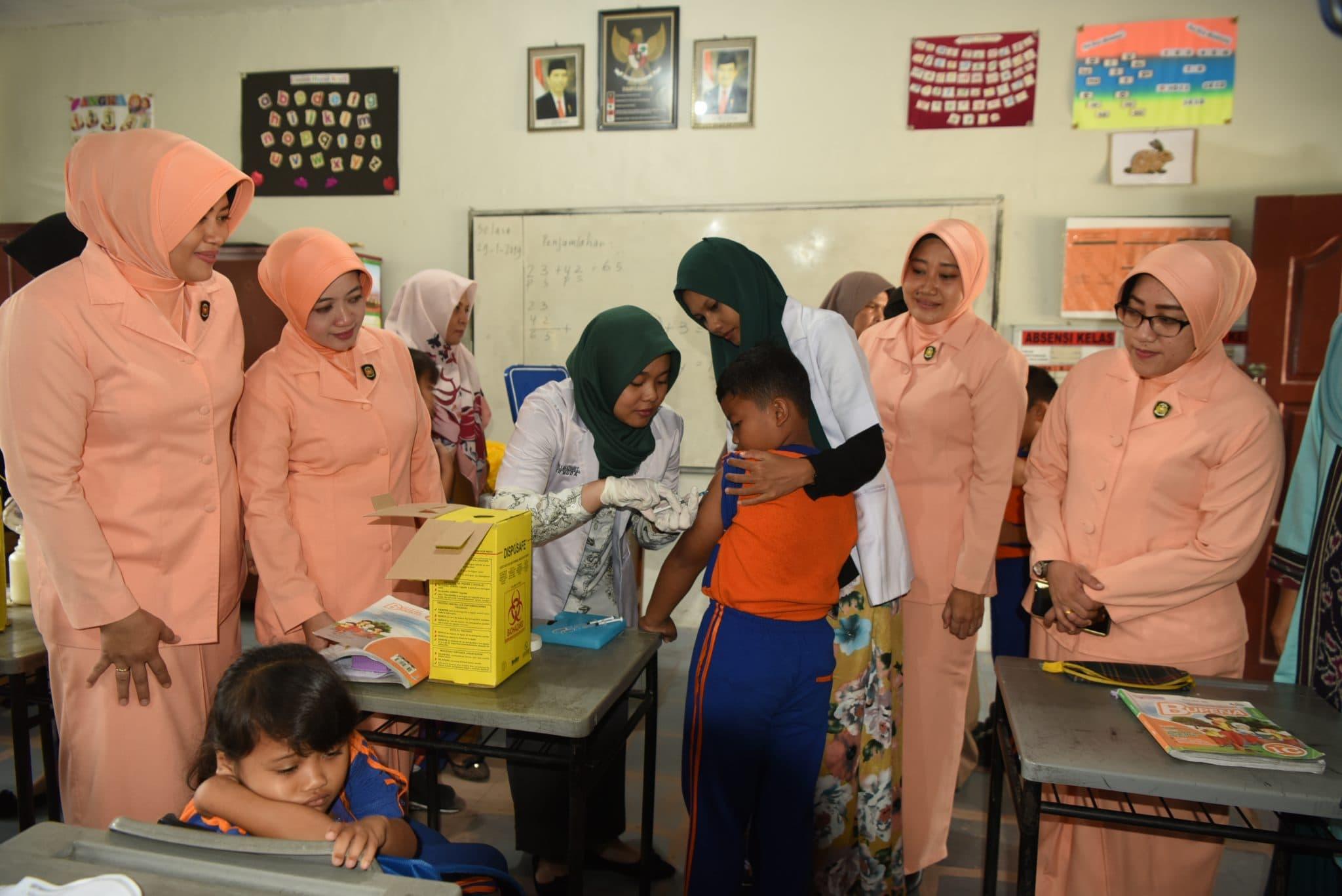UPTD Puskesmas Simpang 3 Pekanbaru Laksanakan Bulan Imunisasi Terhadap SD Angkasa