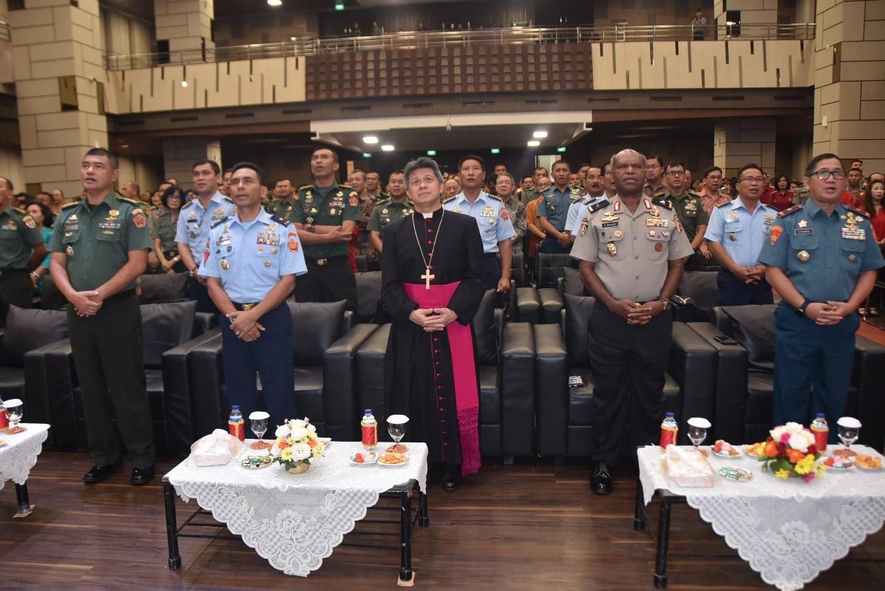 Anggota TNI dan Polri se-Wilayah Bandung Rayakan Natal Bersama