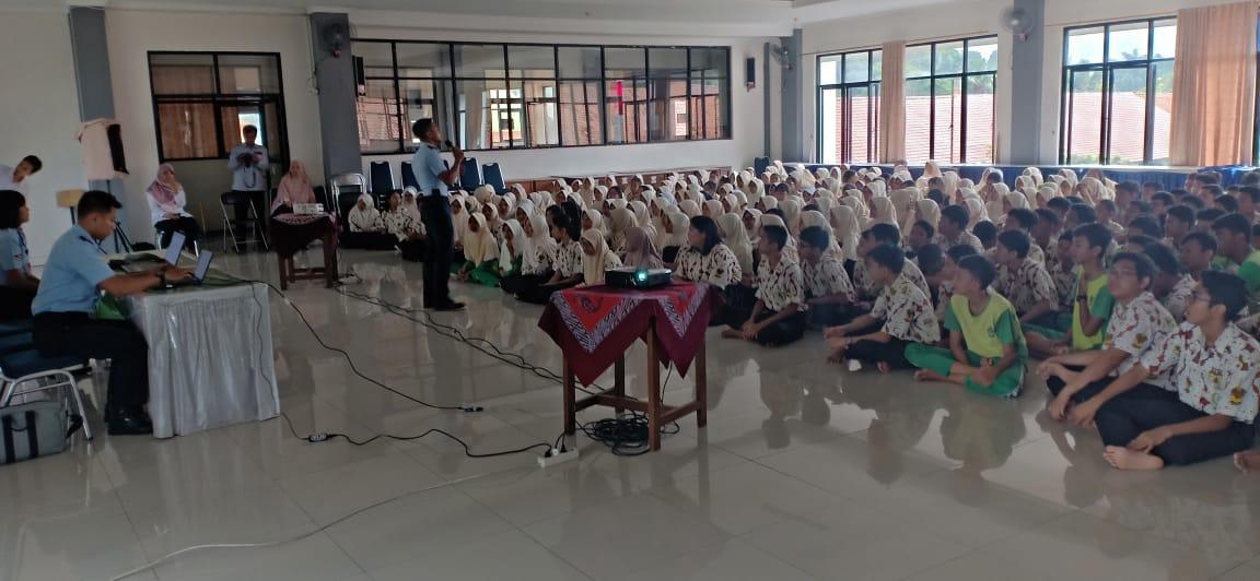 Ratusan Siswa SMPN di Bogor Antusias Ikuti Sosialisasi SMA Pradita Dirgantara