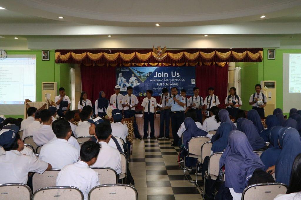 Lanud Anang Busra Sosialisasi SMA Pradita Dirgantara di SMP 1 Tarakan