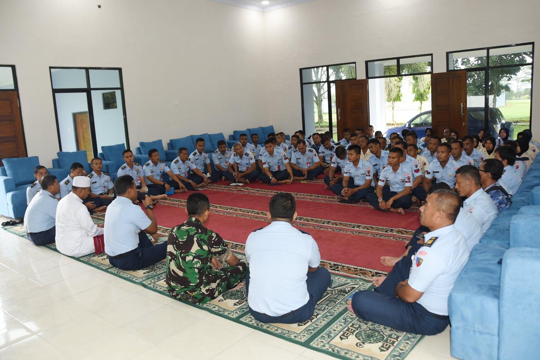 Komandan Lanud Pangeran M. Bun Yamin Memimpin Pelaksanaan Syukuran Mess Elang (mess perwira) Lanud Pangeran M. Bun Yamin.