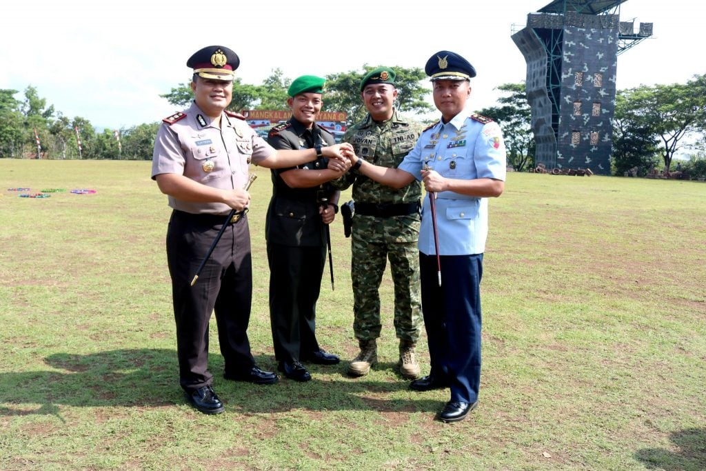 Komandan Lanud Wiriadinata Menghadiri Sertijab Komandan Yonif Raider 323/Buaya Putih