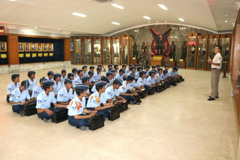 Siswa Wara A-43 Pesiar dan Belajar di Muspusdirla