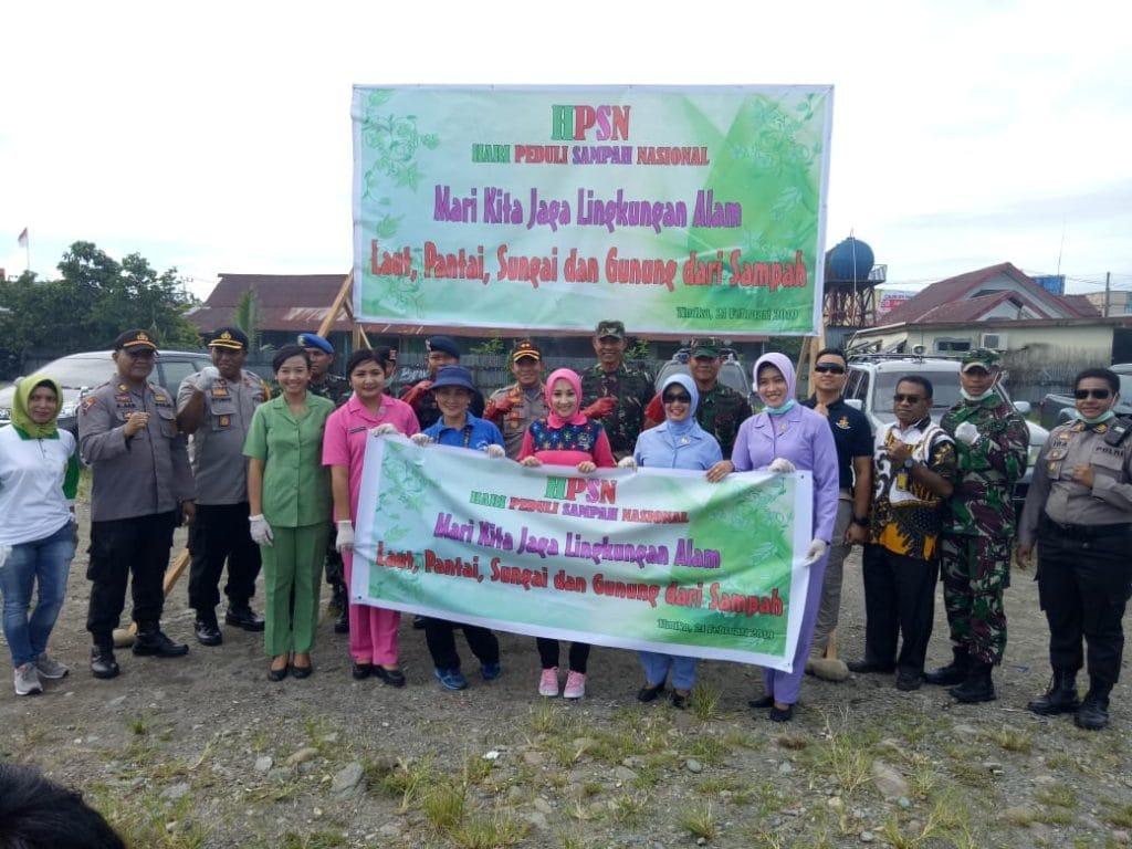 Komandan Lanud Yku Timika Bersama Jajaran TNI-Polri Peringati Hari Peduli Sampah Nasional