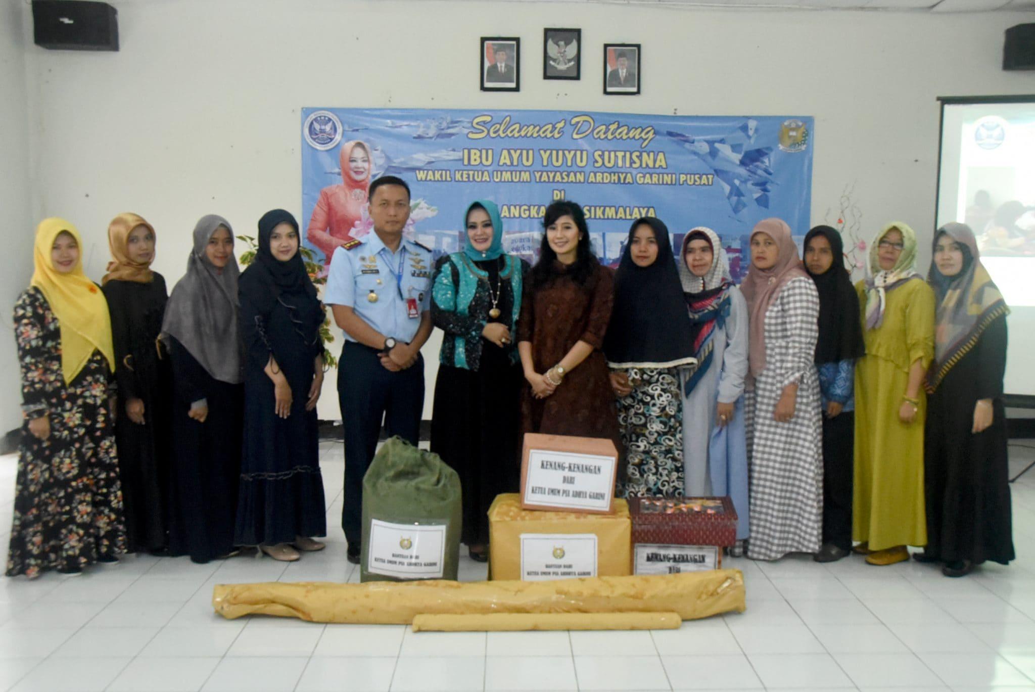 Kunjungan Ketua Umum PIA Ardhya Garini di Lanud Wiriadinata
