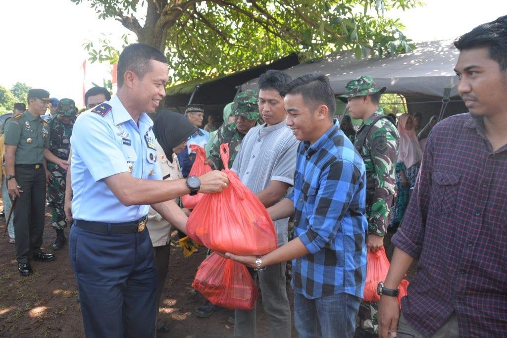 Komandan Lanud Sultan Hasanuddin Hadiri Pembukaan TMMD ke-104 di Desa Bonto Manai