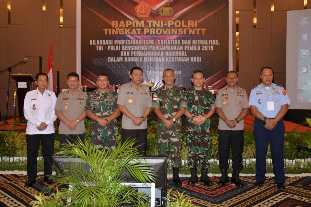 Paparan Danlanud El Tari dalam Acara Rapim TNI Polri Tingkat Provinsi NTT