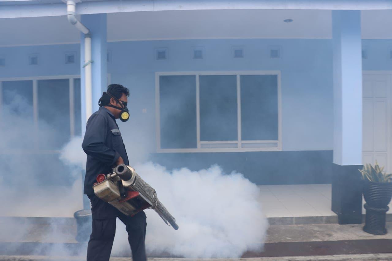 Berantas DBD, Lanud Dhomber Lakukan Fogging