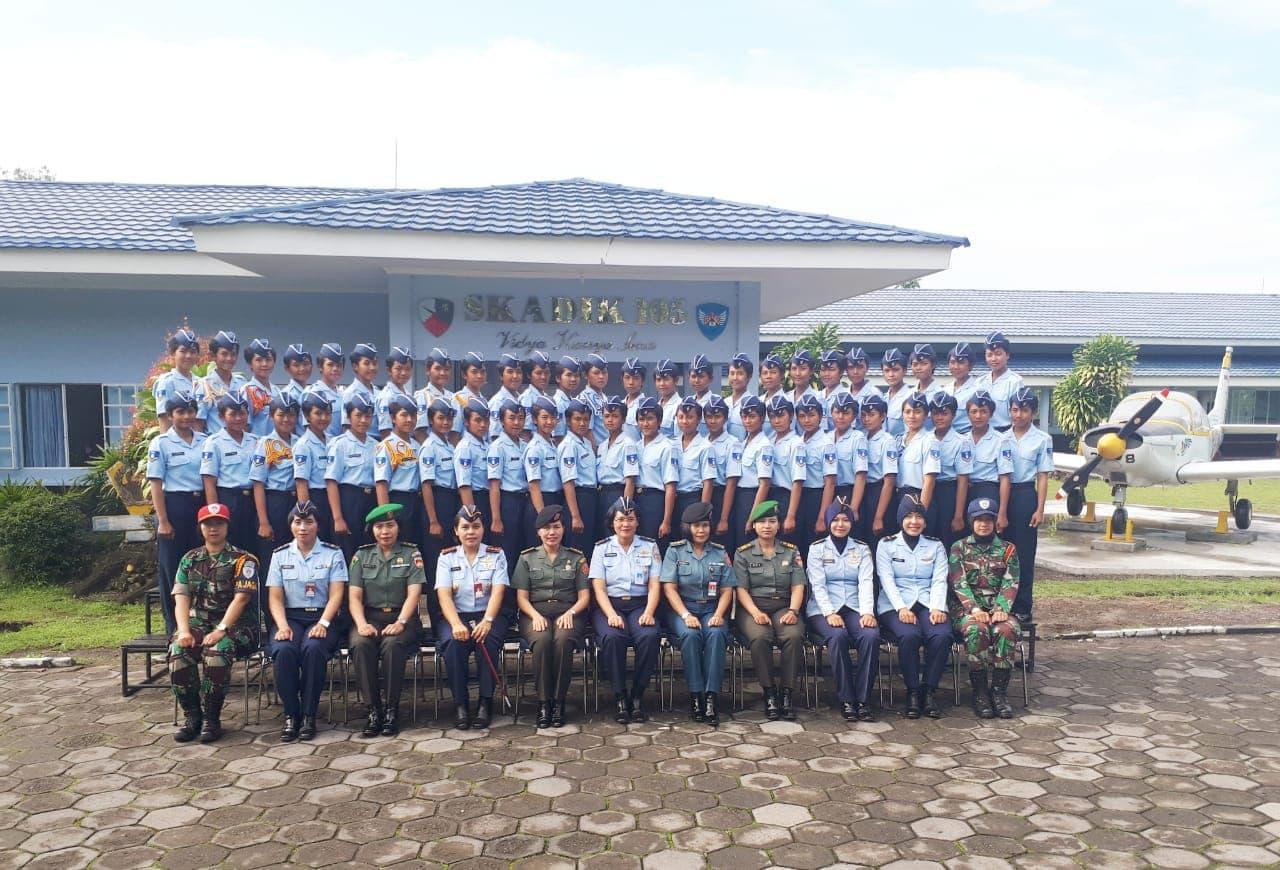 Pabandya Wanita TNI dan Angkatan Kunjungi Sekolah Wara