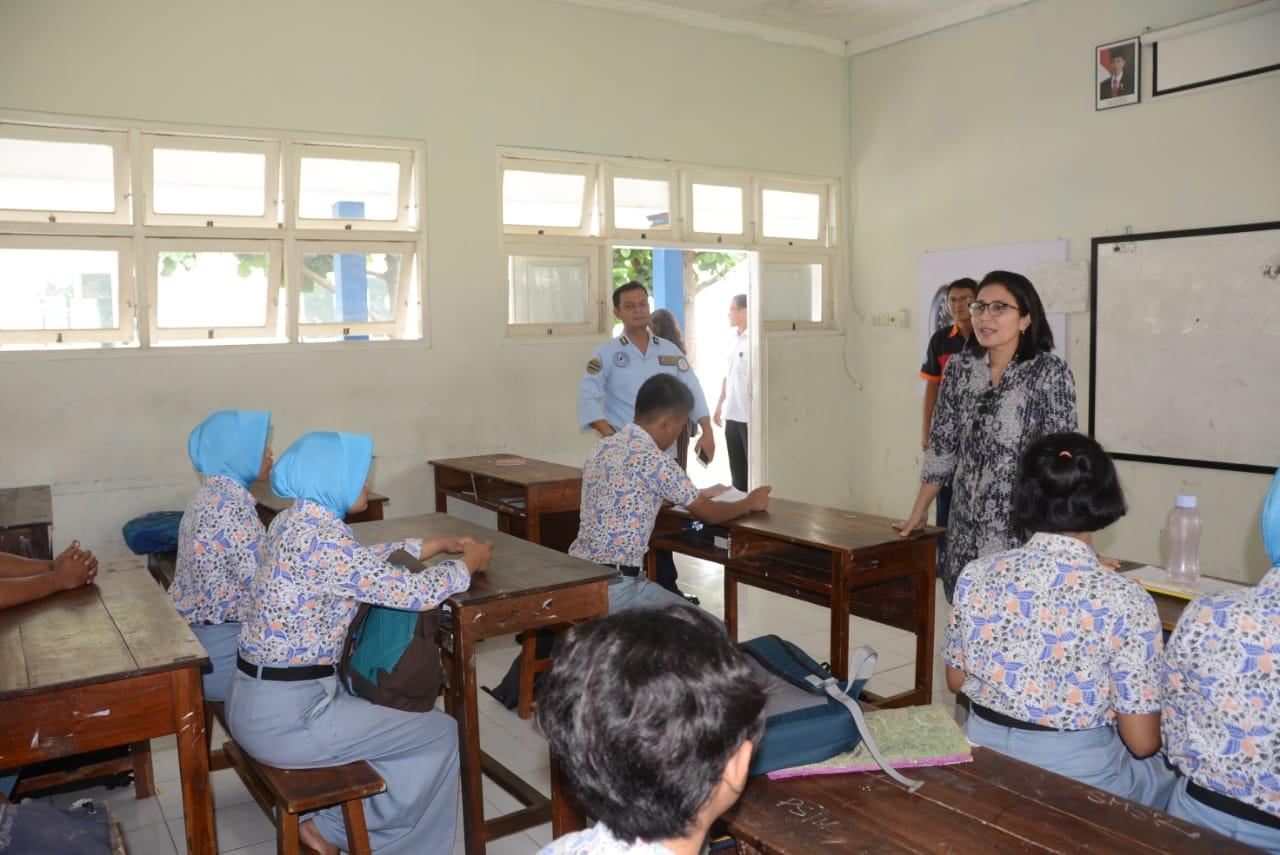 Ketua Yasarini Cabang Lanud Adisutjipto Kunjungi Sekolah Angkasa