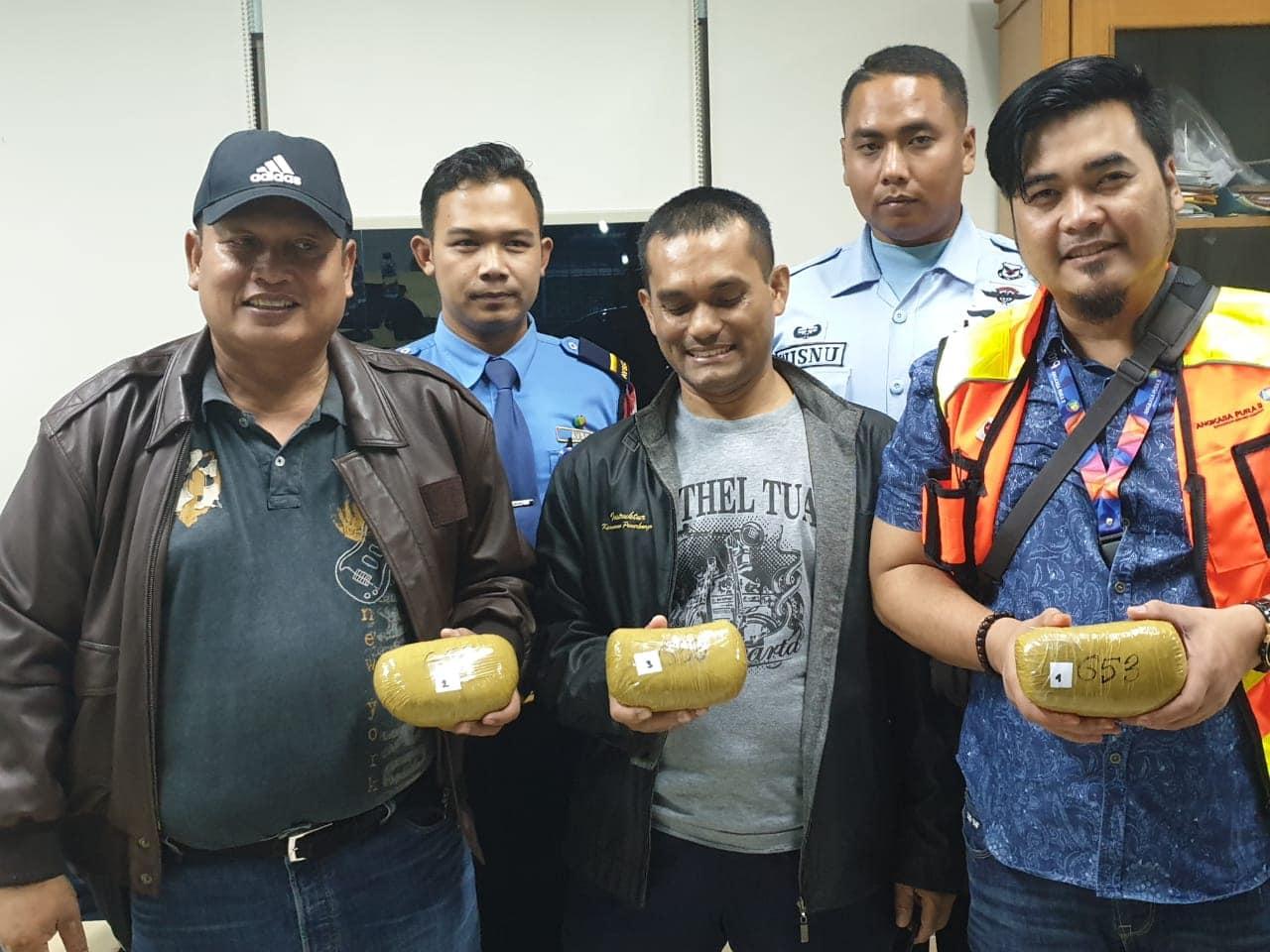 TNI AU dan AVSEC Bandara SMB II, Amankan Narkoba Seberat 2,650 Kg