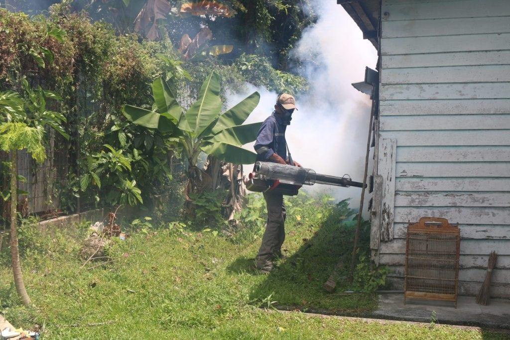 Berantas Wabah DBD, Lanud RHF Lakukan Fogging
