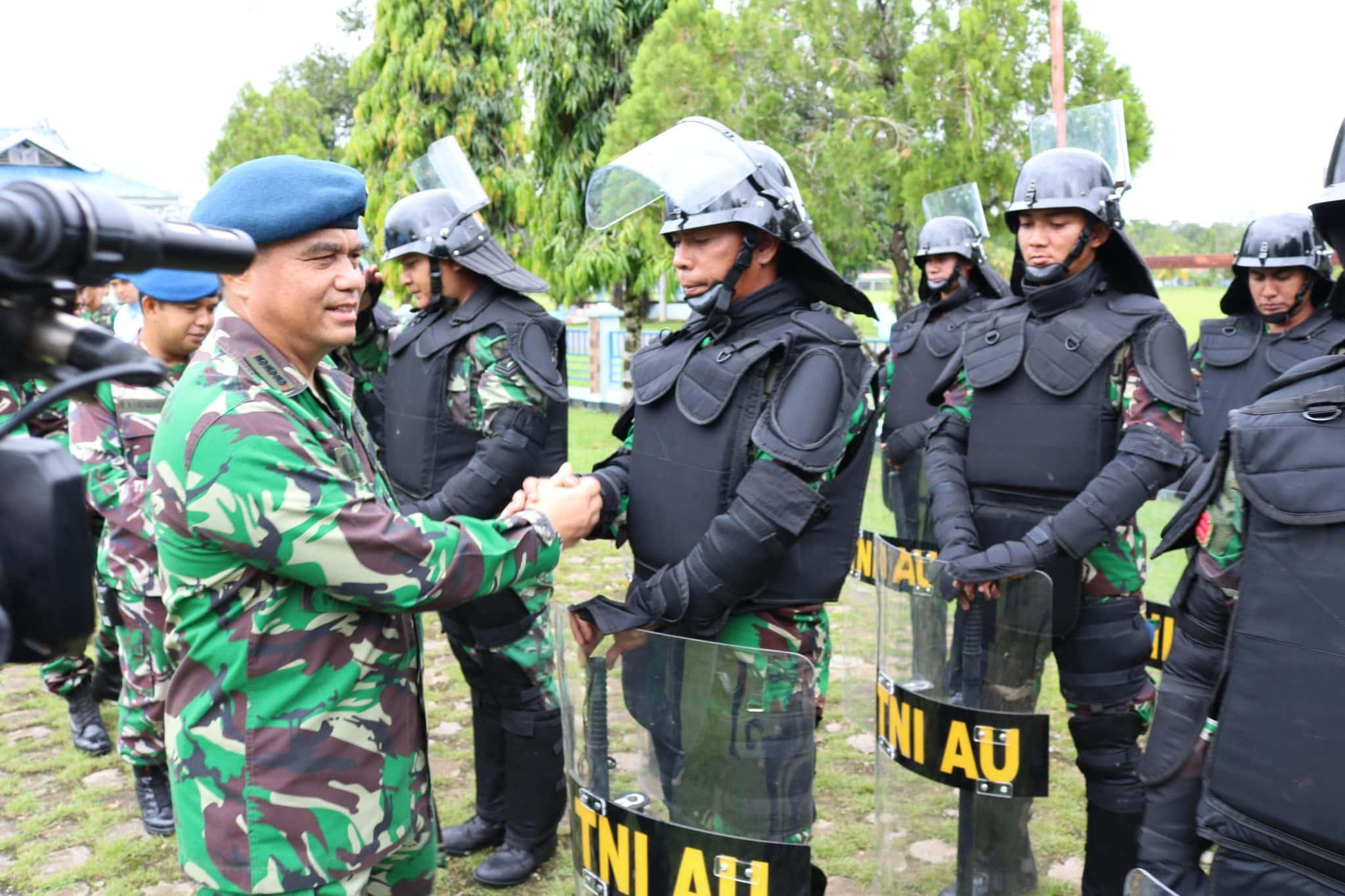Penutupan Latihan Pengamanan Pileg dan Pilpres di Lanud Haluoleo