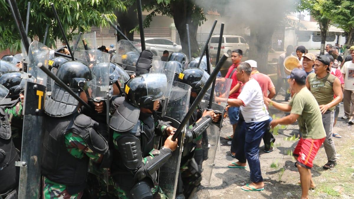 Jelang Pemilu, Lanud Muljono Gelar Latihan Pengamanan Huru Hara