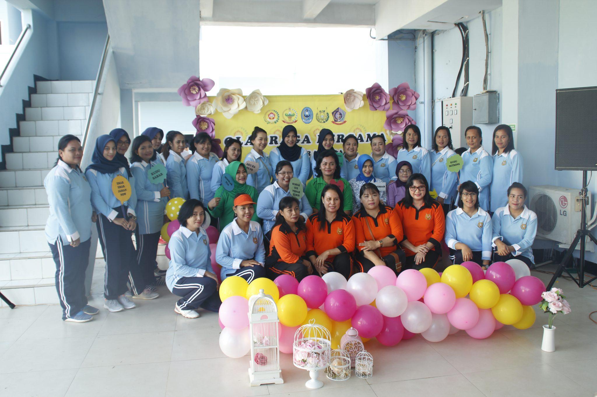 Olah Raga Bersama Dharma Pertiwi Daerah M Lanud Sam Ratulangi