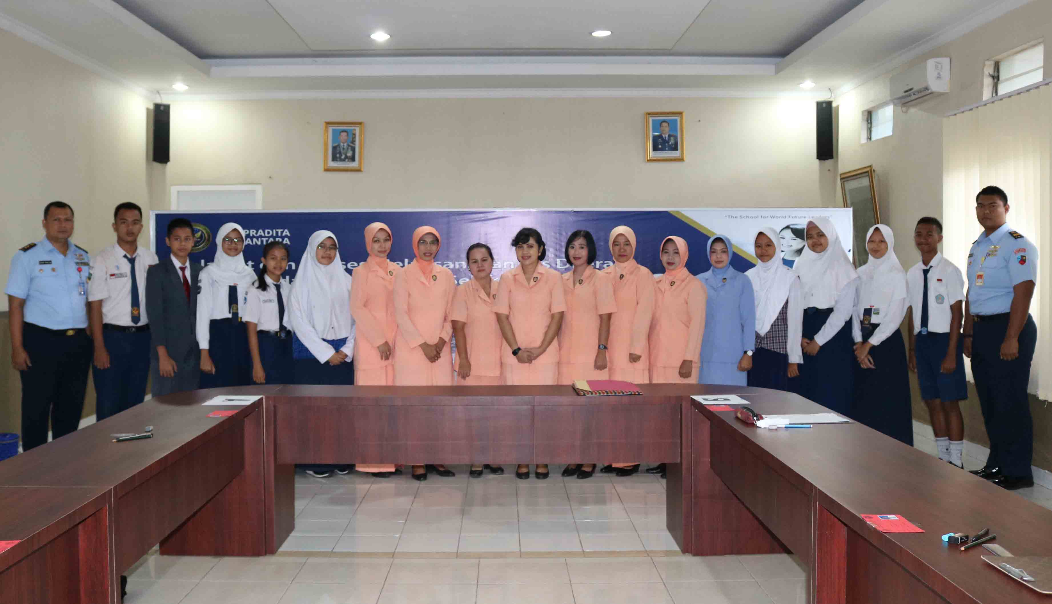 Ketua Yasarini Cab. Lanud SMH Seleksi Putra-Putri Calon SMA Pradita Dirgantara