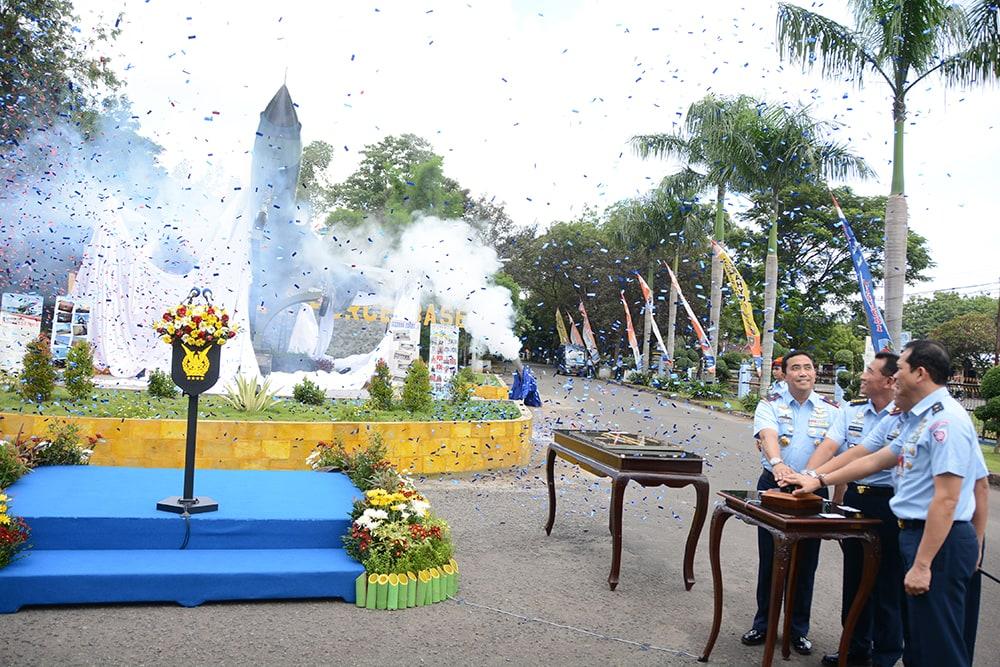 Mewarisi Semangat, dan Kebanggaan Bangsa, Kasau Resmikan Monumen Pesawat F-5 Tiger di Lanud Iswahjudi