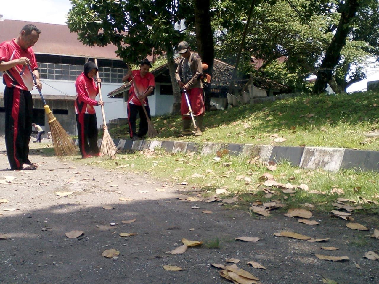 Kegiatan Bersih Lingkungan Di Muspusdirla
