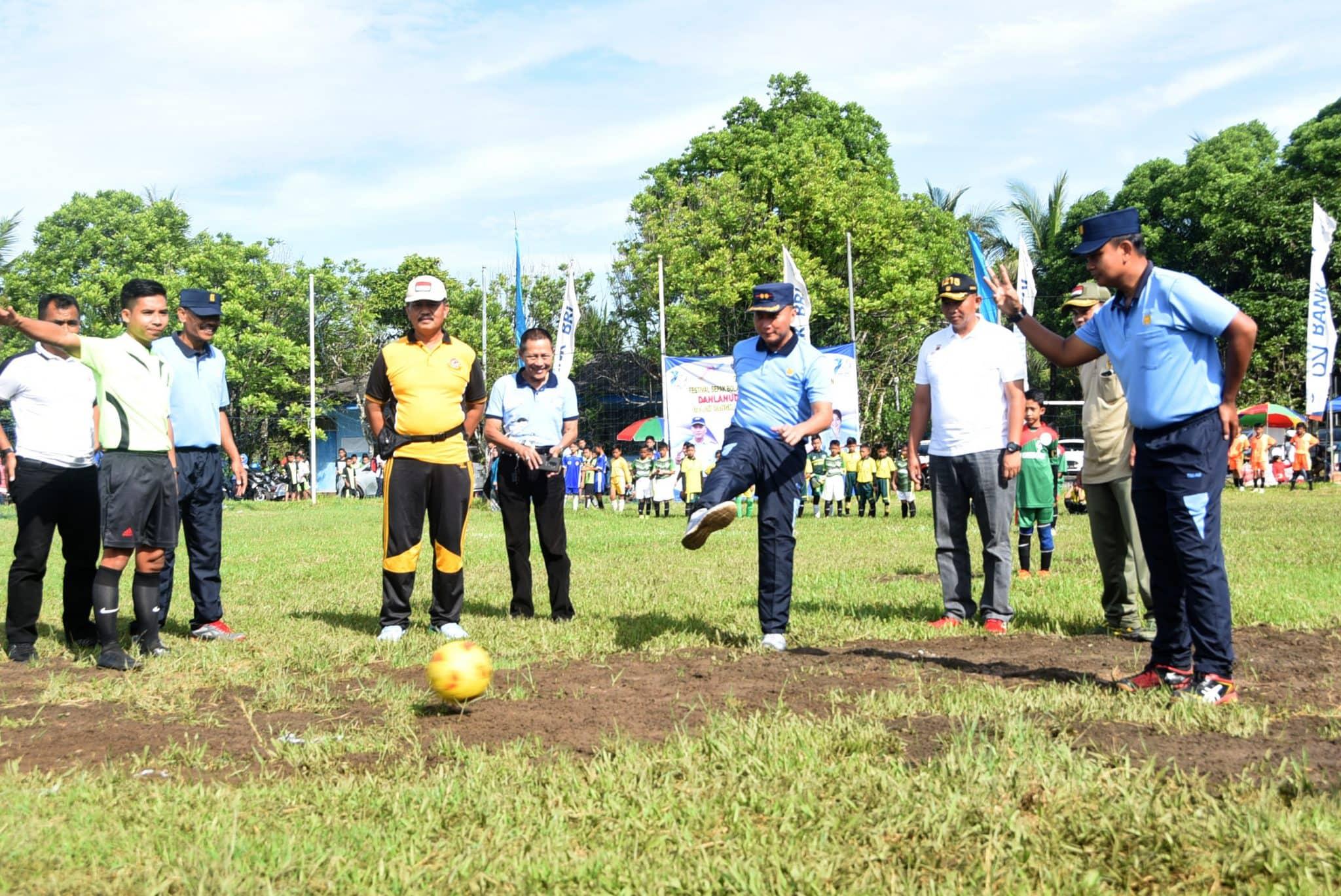 Danlanud Wiriadinata Membuka Festifal Sepak Bola Danlanud Cup Ke - 2 TA. 2019