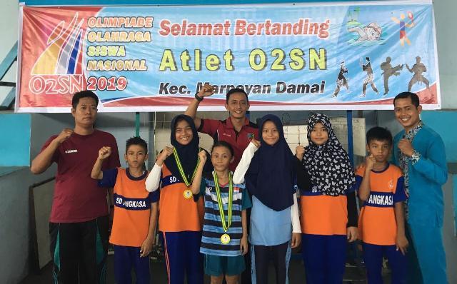 Ketua Yasarini Lanud Rsn Bangga dan Apresiasi Prestasi Atlet SD Angkasa