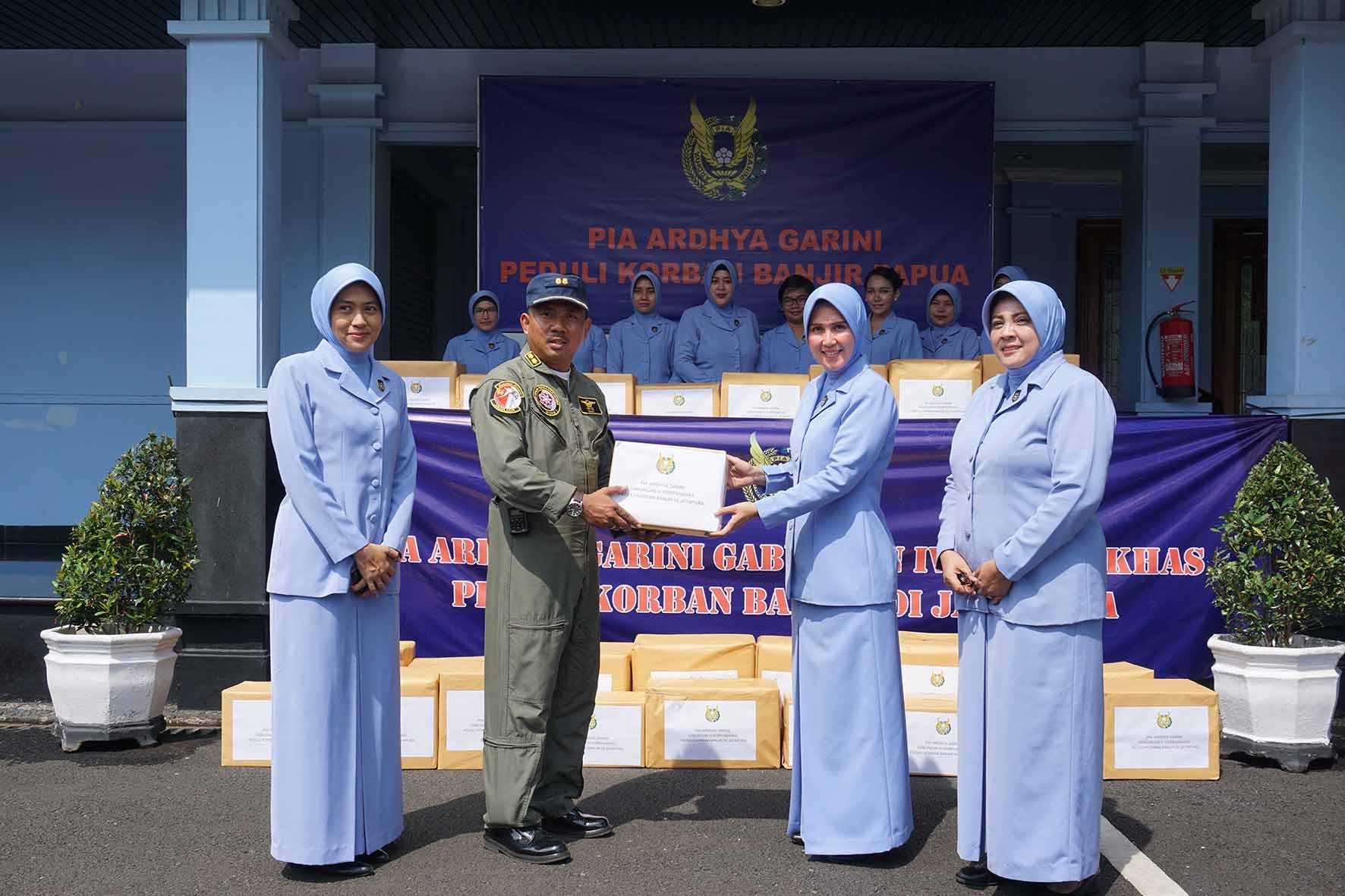 PIA AG Gabungan IV Korpaskhas Peduli Korban Banjir Jayapura