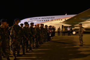 Komandan Lanud Sam Ratulangi Menyambut Kedatangan RI 1 di Gorontalo