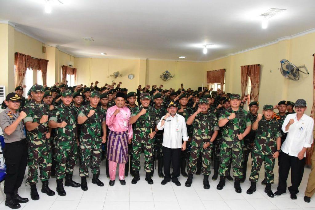 Danlanud Rsn Dampingi Pangdiv I Kostrad Kunjungi Prajurit di Pulau Rupat