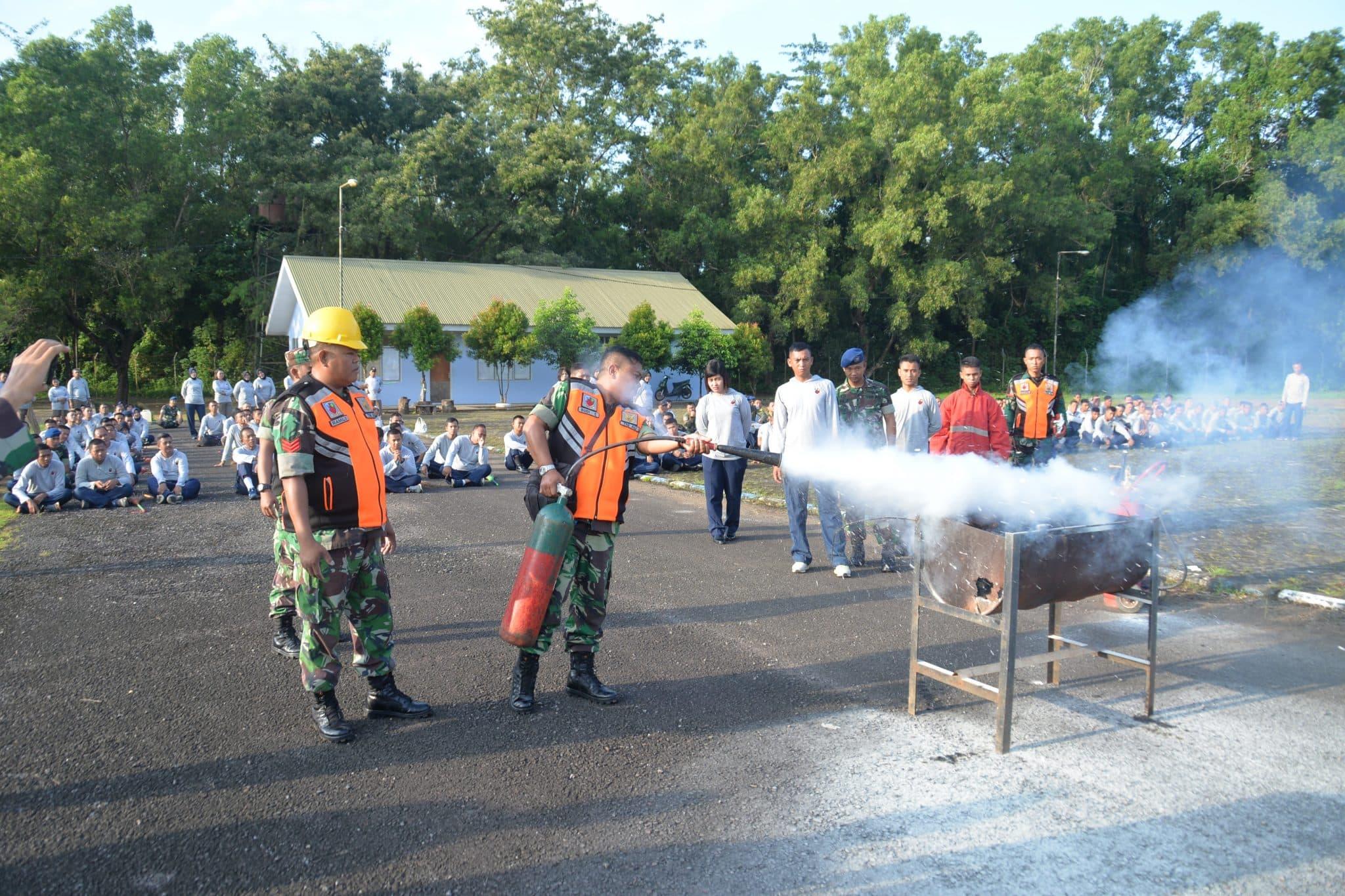 Base Rescue Lanud Sultan Hasanuddin Gelar Simulasi Penanggulangan Kebakaran