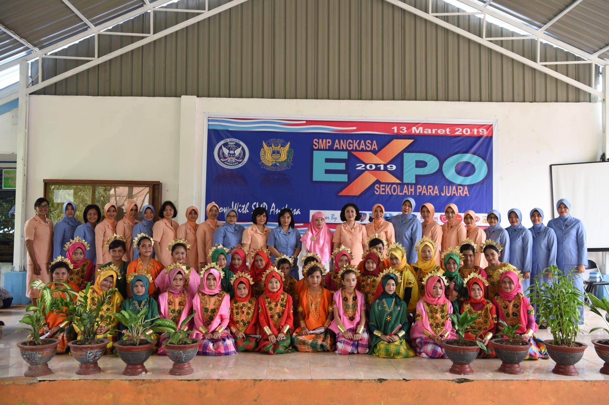 Yasarini Cabang Lanud Sultan Hasanuddin Gelar Angkasa Expo 2019