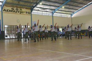 Kemeriahan Lomba Poco-poco HUT ke-73 TNI AU di Lanud Adisutjipto