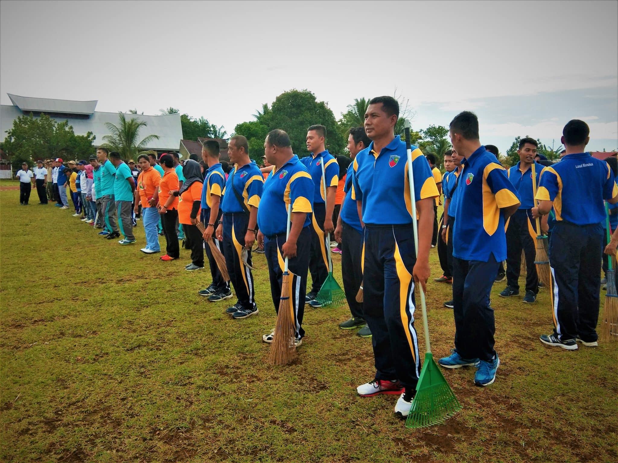 Lanud Manuhua Berpartisipasi dalam Giat Jumat Bersih