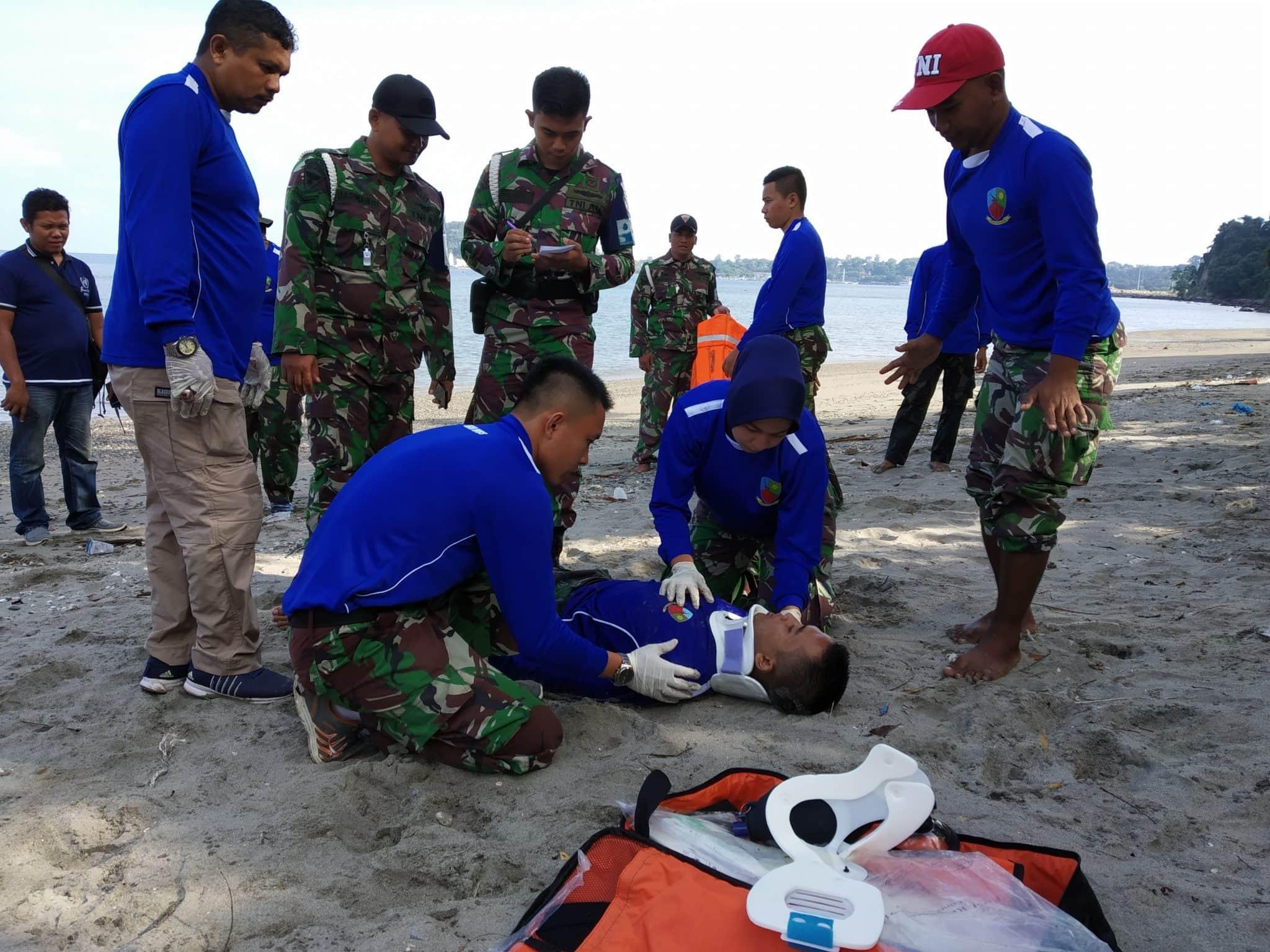 Lanud maimun Saleh Laksanakan Latihan SAR Laut Dan Peduli Sampah Sekitar