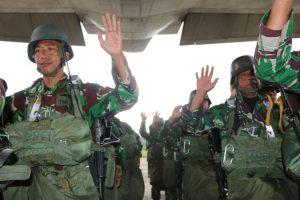 115 Prajurit Yonko 463 Paskhas Laksanakan Jungar Static dan Free Fall
