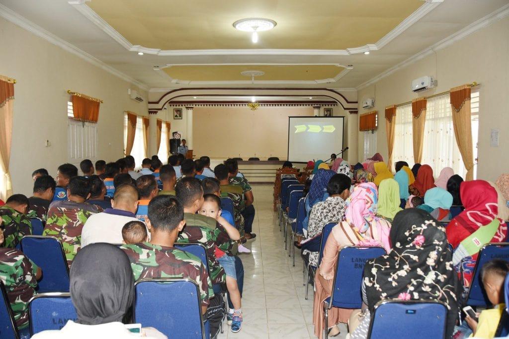 Ceramah TBC di Lanud Pangeran M. Bun Yamin