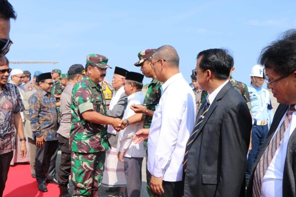 Komandan Lanud Sutan Sjahrir Sambut Kedatangan Panglima TNI dan Kapolri Kuker di Sumatera Barat.