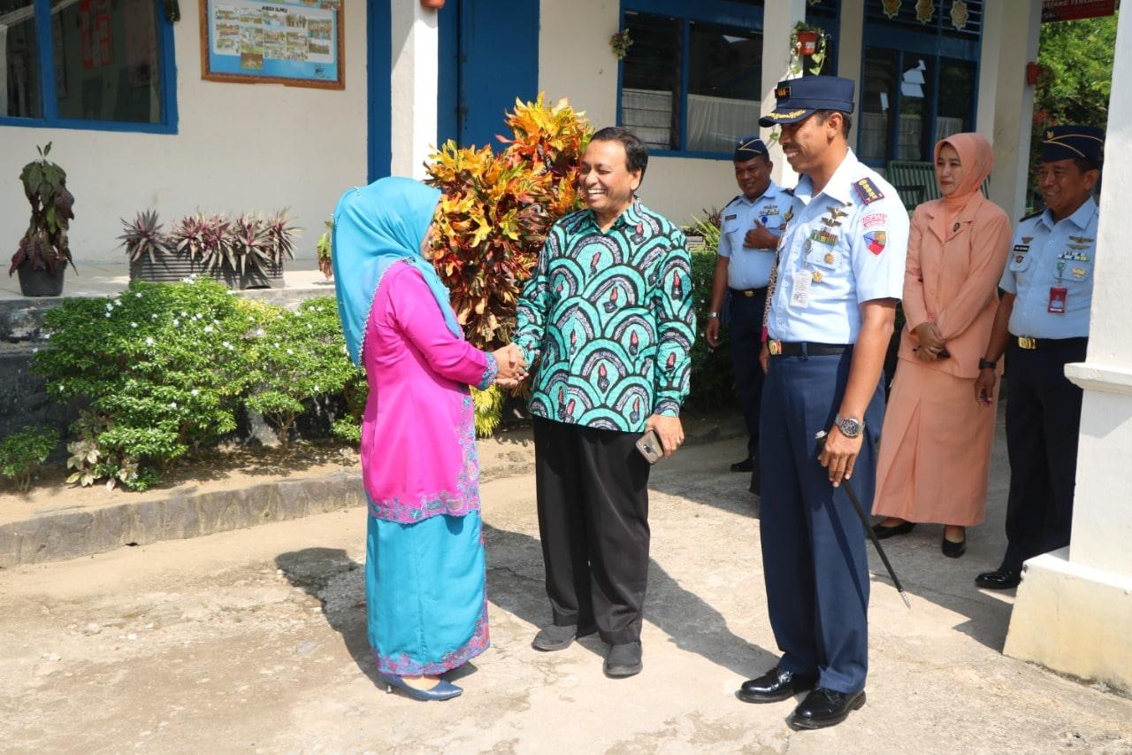 Prof. DR. H. Ibrahim Bafadal MP.d. Kunjungi Sekolah Angkasa Lanud Sutan Sjahrir