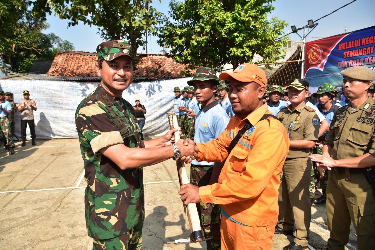 Komandan Lanud Halim Perdanakusuma Buka Karya Bakti bersama Warga Kebon Pala II