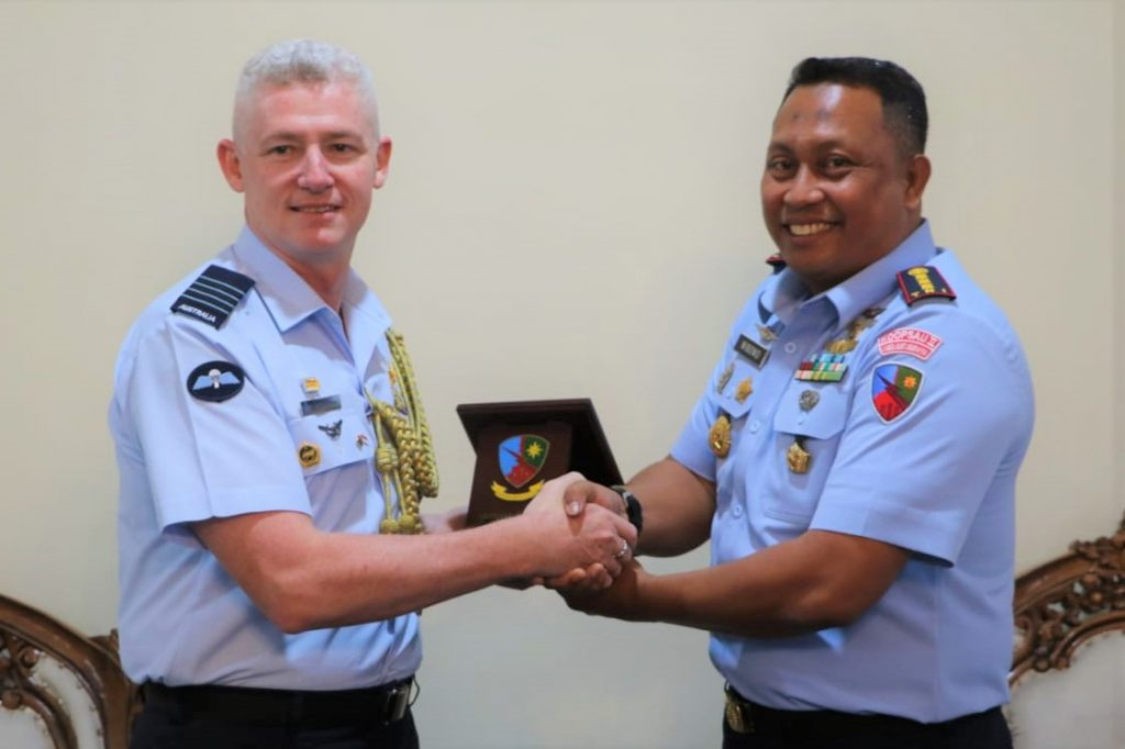 Komandan Lanud I Gusti Ngurah Rai Terima Courtesy Call Atase Udara Australia
