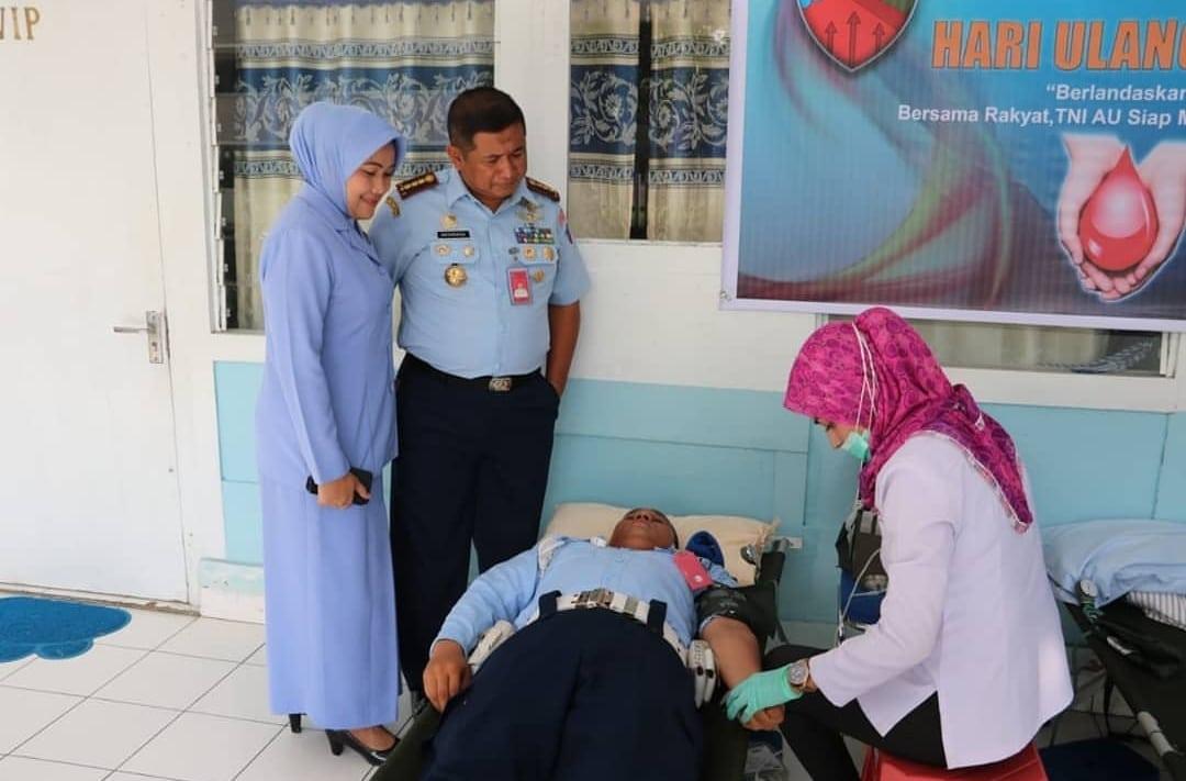 Aksi Donor Darah sebagai Wujud Kepedulian oleh Prajurit Lanud Pattimura