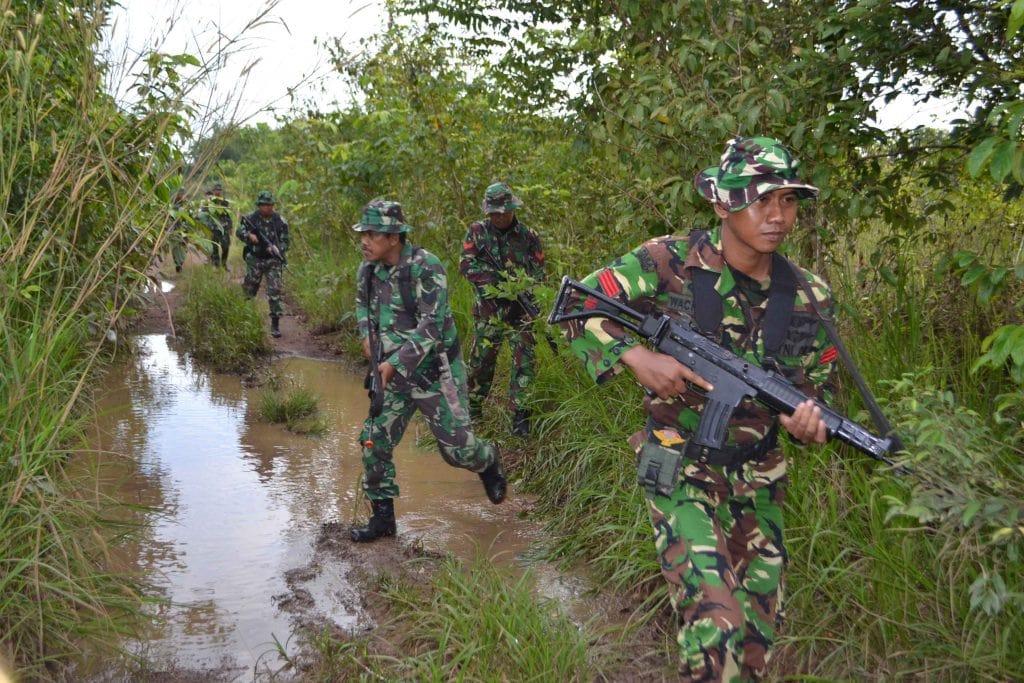 Lanud Sjamsudin Noor Gelar Latihan Hanlan dan Menembak di AWR Maluka Baulin