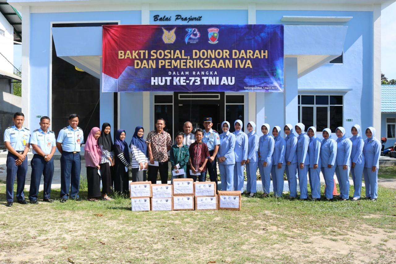 Peringati HUT TNI AU ke-73, Lanud Ash Lakukan Baksos