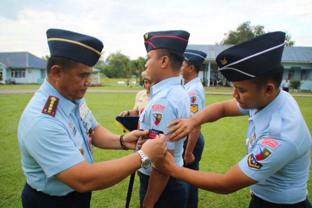 Periode 1 April 2019 , 8 Bintara dan Tamtama Lanud Haluoleo Naik Pangkat
